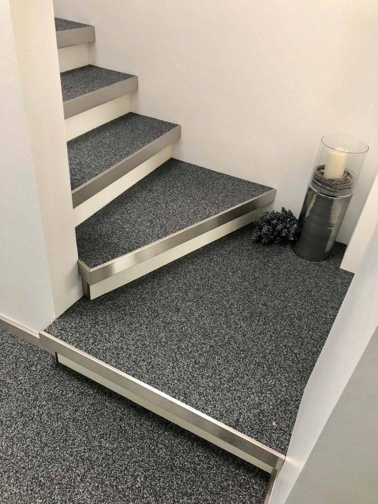 Verschiedene Stufen einer Treppe