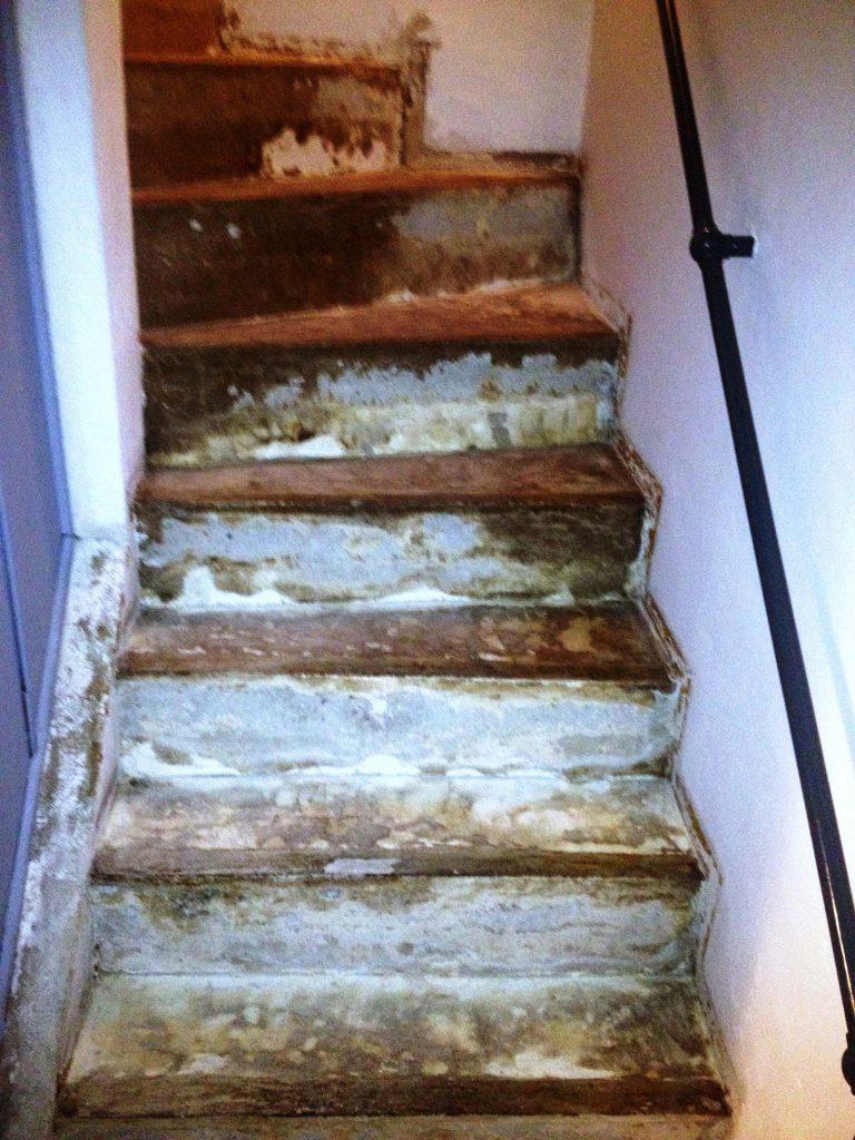 schmutzige Treppe